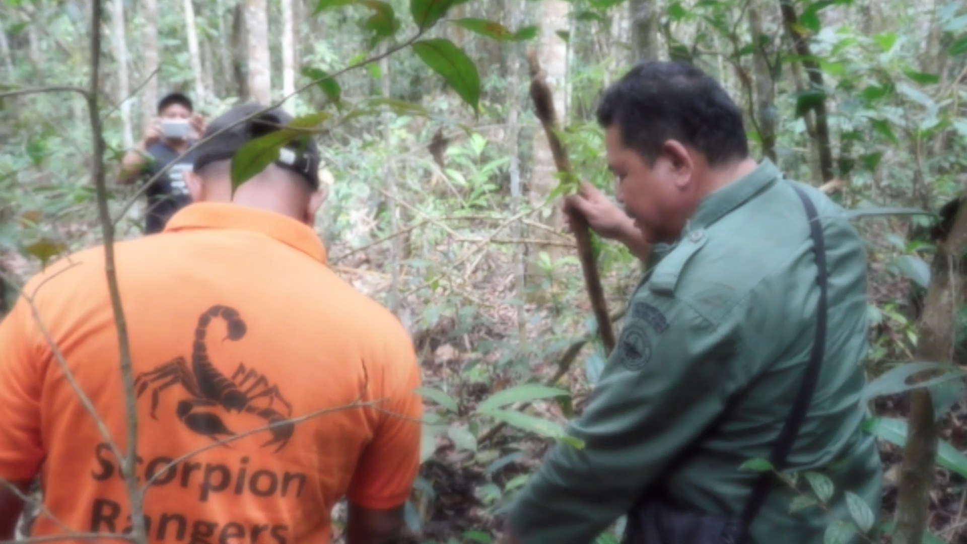 Joint patrol to prevent illegal poaching at Sampean Village (December 30, 2019)